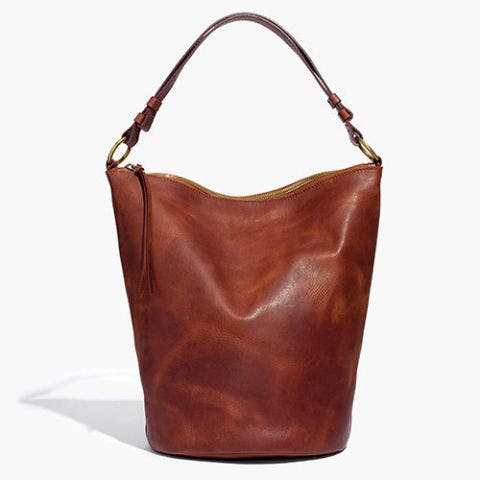 madewell lisbon o-ring bucket bag in chestnut leather