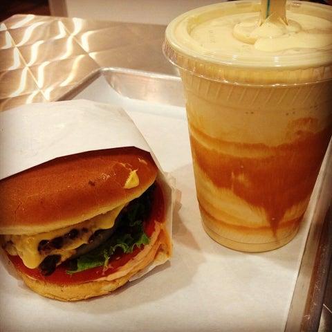 Food, Hamburger, Dish, Junk food, Fast food, Cuisine, Ingredient, Cheeseburger, Breakfast sandwich, Whopper,