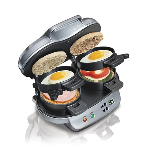 Small appliance, Meal, Food steamer, Breakfast, Frying pan, Cuisine, Food, Home appliance, Dish, Kitchen appliance,