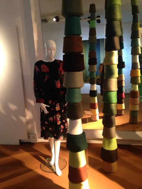 Light fixture, Mannequin, One-piece garment,