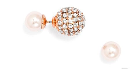 Fashion accessory, Jewellery, Amber, Natural material, Body jewelry, Pearl, Ball, Beige, Metal, Jewelry making,