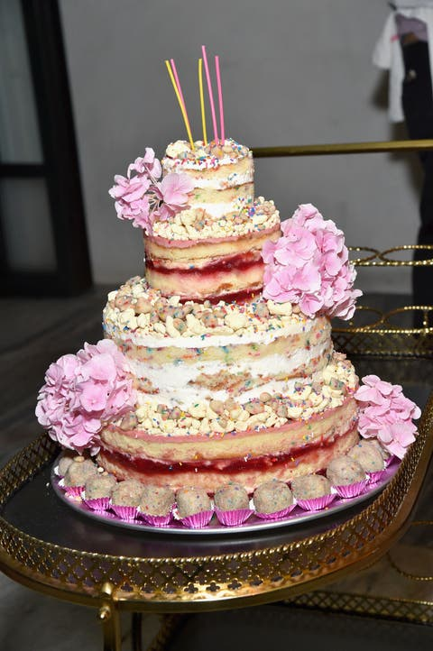 Sweetness, Food, Cake, Cuisine, Baked goods, Dessert, Ingredient, Cake decorating, Pink, Magenta,