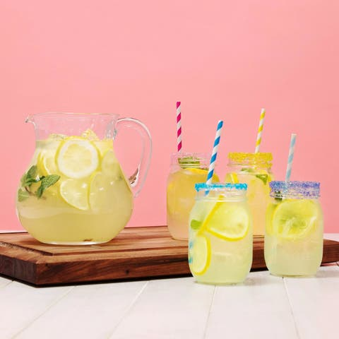 Drink, Lemonade, Juice, Non-alcoholic beverage, Drinking straw, Italian soda, Punch, Cocktail garnish, Cocktail, Aguas frescas,