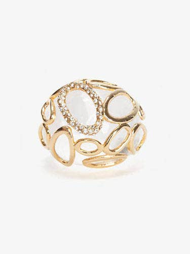 Jewellery, Fashion accessory, Ring, Body jewelry, Amber, Natural material, Diamond, Metal, Pre-engagement ring, Gemstone,