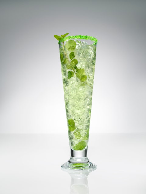 <p>2 parts SVEDKA Vodka<br />3/4 part fresh lime juice<br />3/4 part simple syrup<br />Garnish: edible glitter   </p> <p>Muddle mint at bottom of glass and build drink on top over crushed ice (except for bitters, glitter, and mint). Agitate with a spoon (or swizzle), not disturbing the mint at the bottom. Top with ice, rim with glitter. Garnish with mint.<br /> </p>