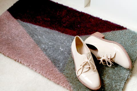 Footwear, Brown, Shoe, White, Tan, Fashion accessory, Natural material, Beige, Silver, Woolen,