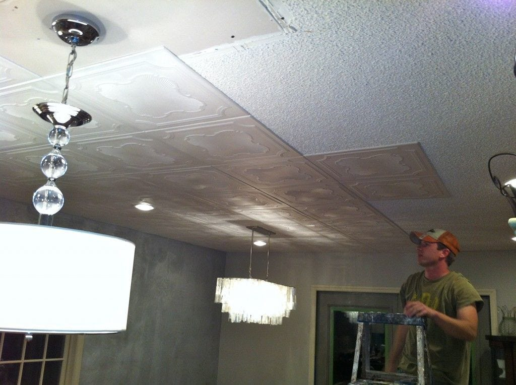 Ceiling, Ceiling fixture, Light fixture, Lighting, Plaster, Lighting accessory, Interior design, Shade, Lamp, Mechanical fan,