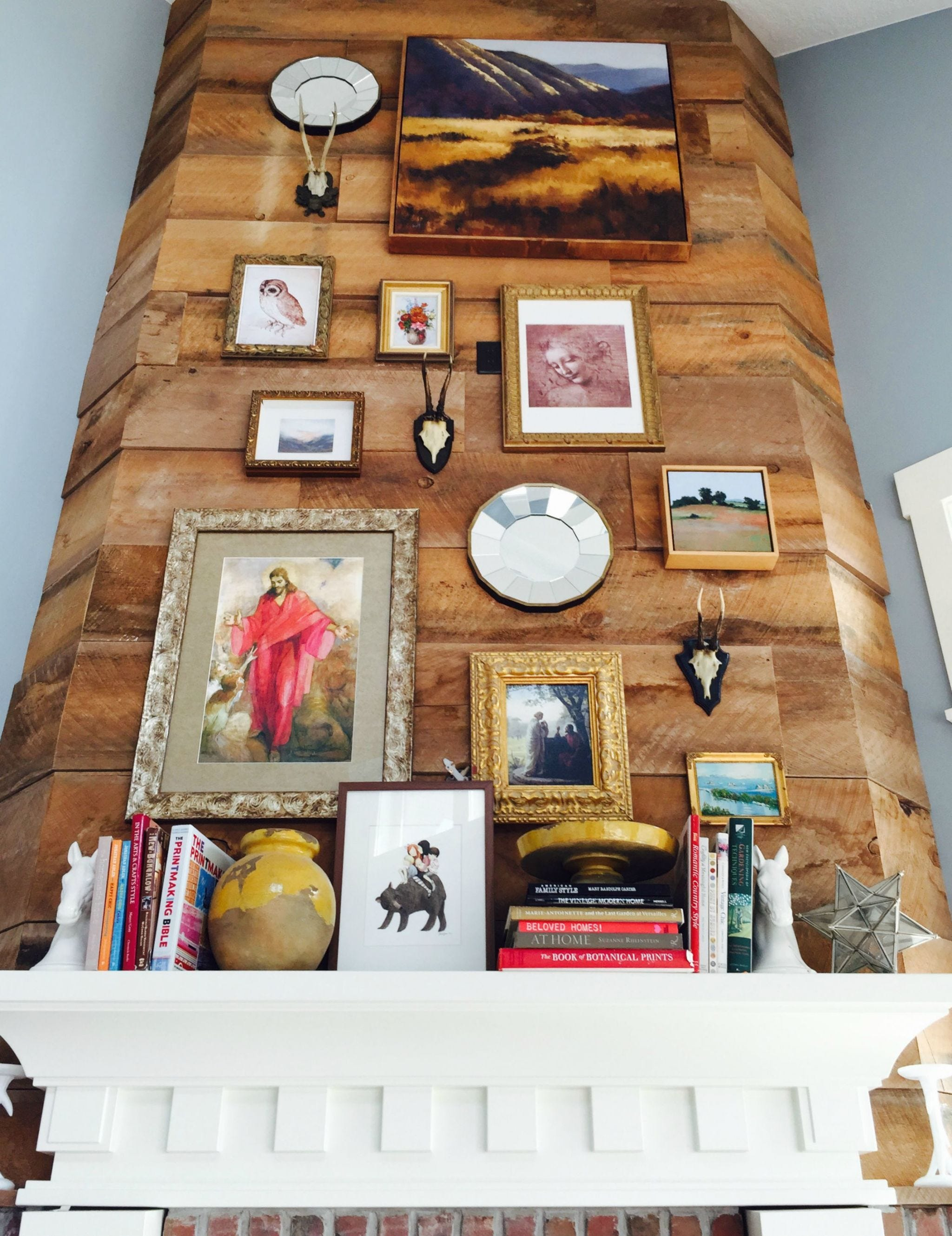 Interior design, Collection, Interior design, Picture frame, Shelving, Shelf, Paint, Creative arts, Craft,