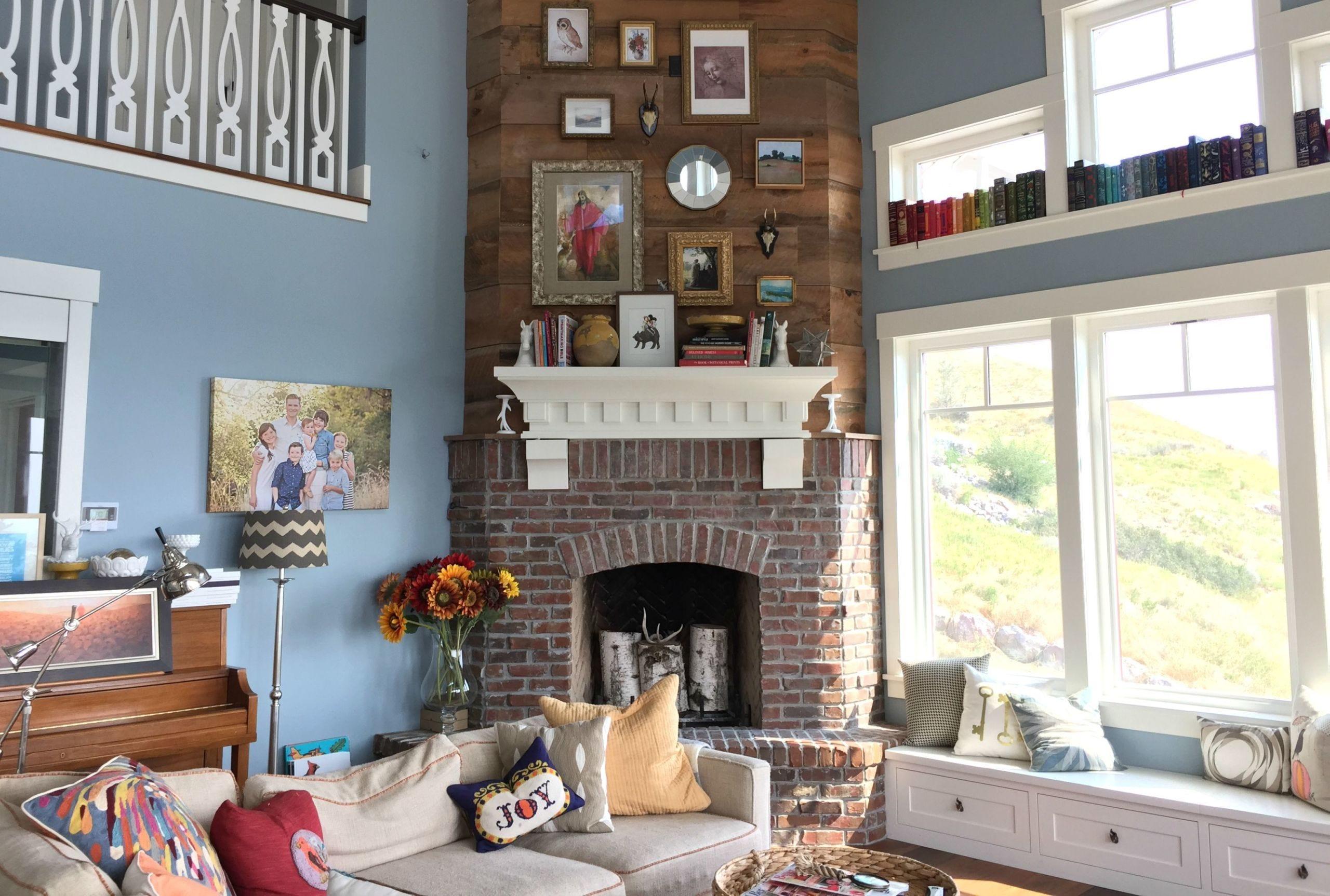 Room, Interior design, Green, Wall, Living room, Home, Interior design, Hearth, Fireplace, Grey,
