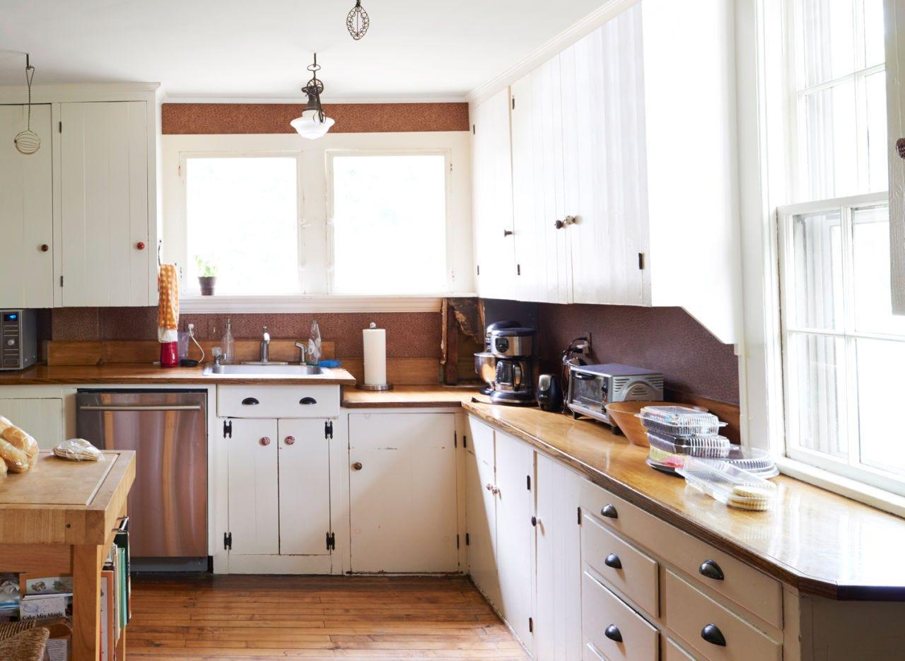 Wood, Room, Property, Interior design, White, Floor, Furniture, Kitchen, Drawer, Cabinetry,