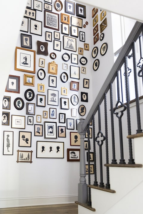 Wall, Iron, Handrail, Baluster, Stairs, Metal, Visual arts, Symmetry, Molding, Square,