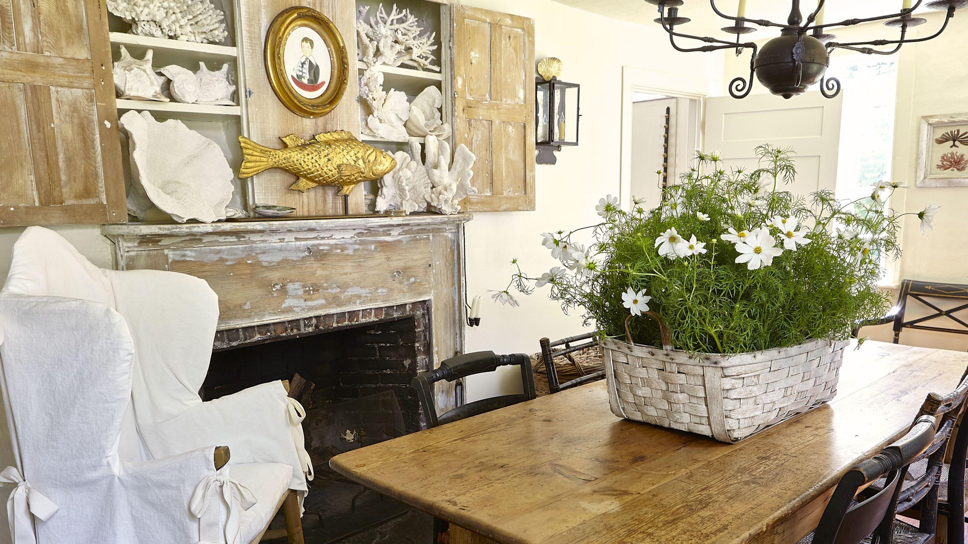 Room, Interior design, Table, Furniture, Interior design, Floor, Ceiling, Picture frame, Flowerpot, Home,