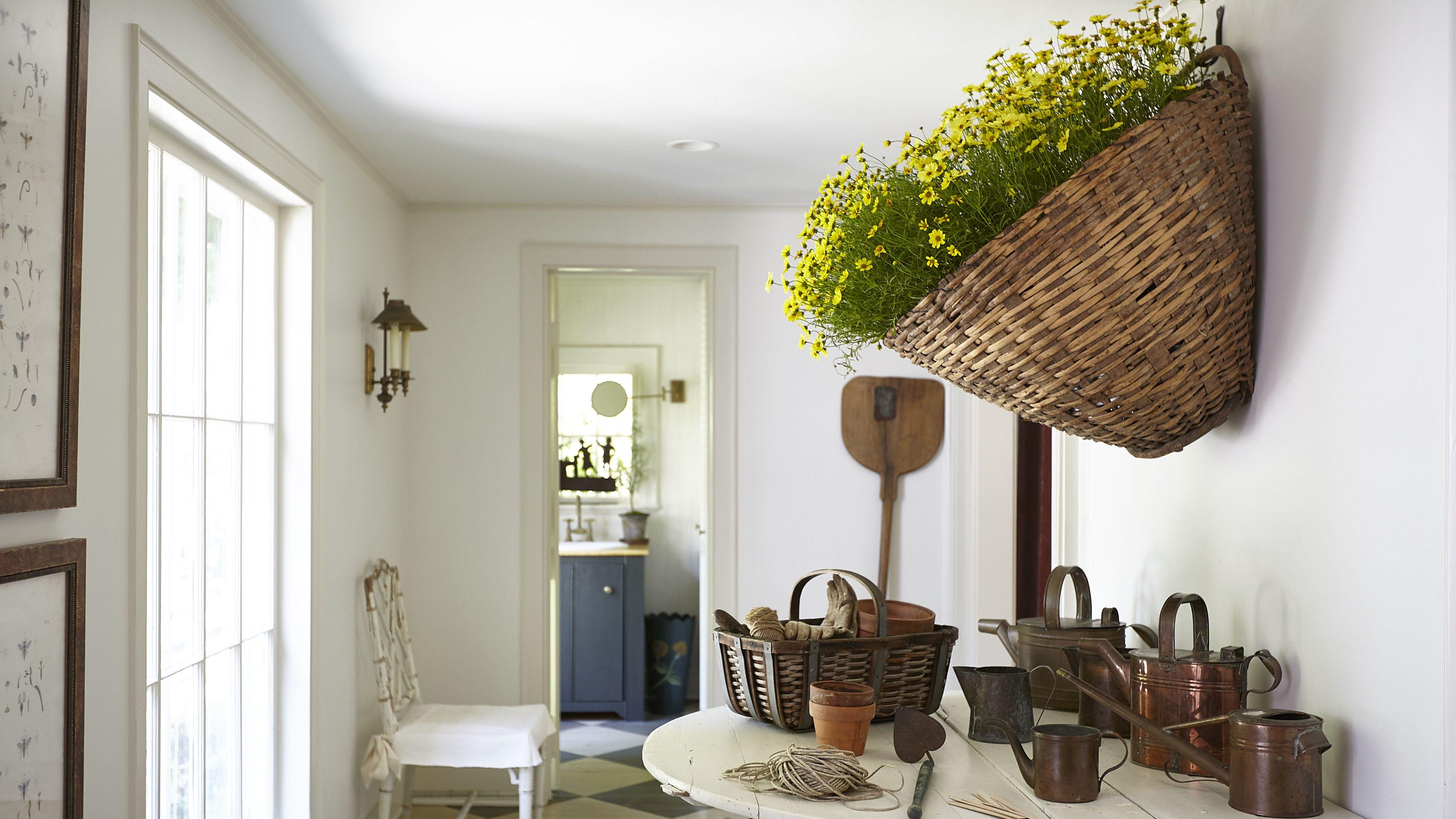 Room, Interior design, Floor, Furniture, Flooring, Interior design, Ceiling, House, Door, Fixture,
