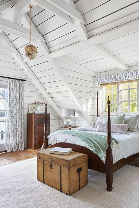 Wood, Bed, Room, Interior design, Floor, Textile, Bedding, Ceiling, Furniture, Bedroom,