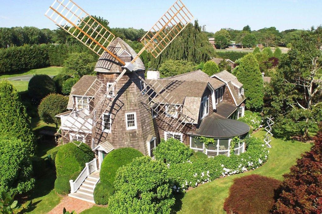 Plant, Property, Landscape, Land lot, Windmill, Real estate, Landmark, Shrub, Wind, Garden,