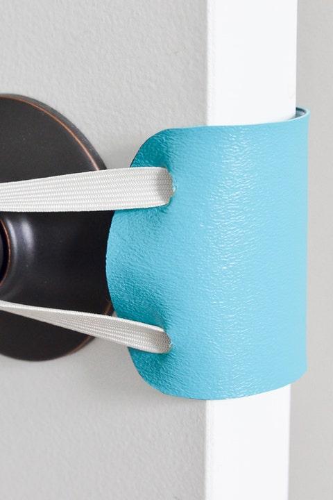Blue, Turquoise, Teal, Aqua, Shelf, Turquoise, Furniture, Material property, Bathroom accessory, Table,