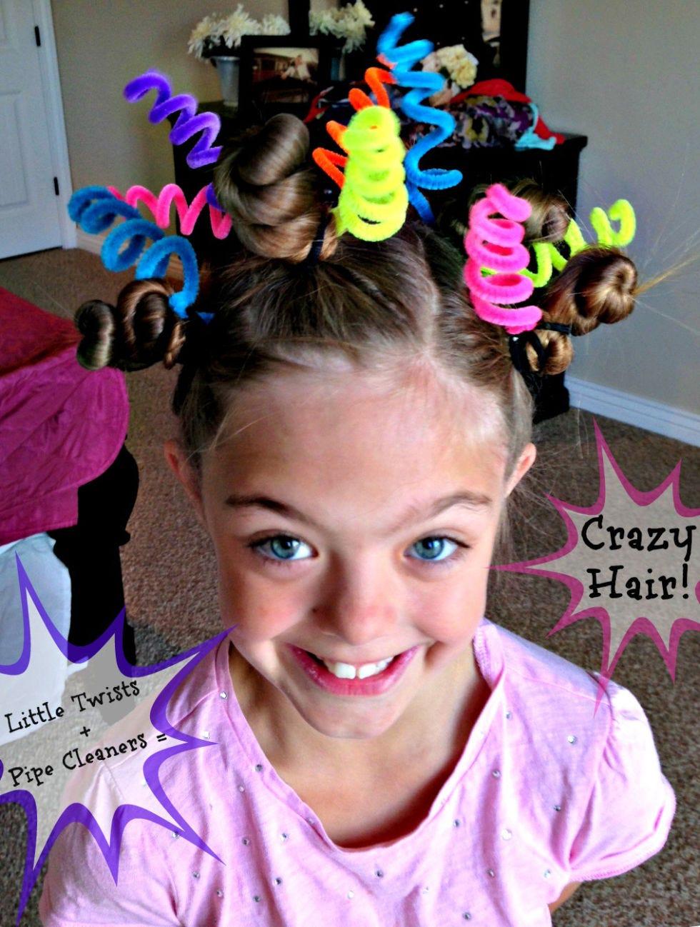 Hair, Hairstyle, Purple, Hair accessory, Pink, Fashion accessory, Headgear, Headband, Headpiece, Ear,