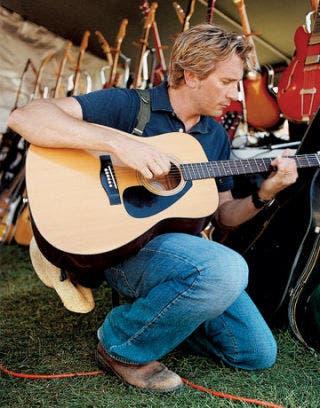 Gibson-acoustic-guitar-SHOP0906