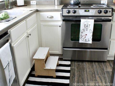 Major appliance, White, Kitchen appliance, Kitchen, Kitchen stove, Gas stove, Cabinetry, Machine, Stove, Small appliance,