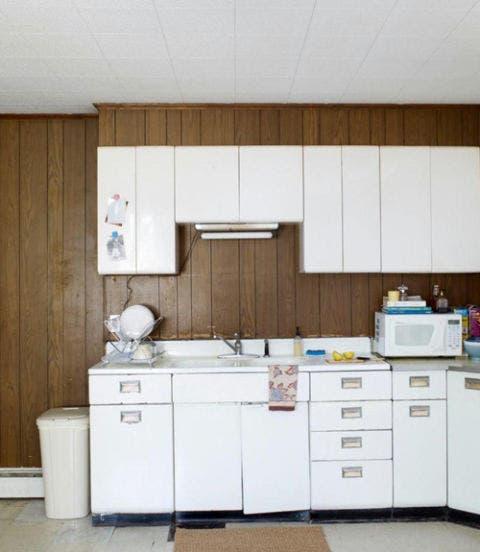Room, Floor, Property, Drawer, White, Interior design, Cabinetry, Cupboard, Flooring, Kitchen,