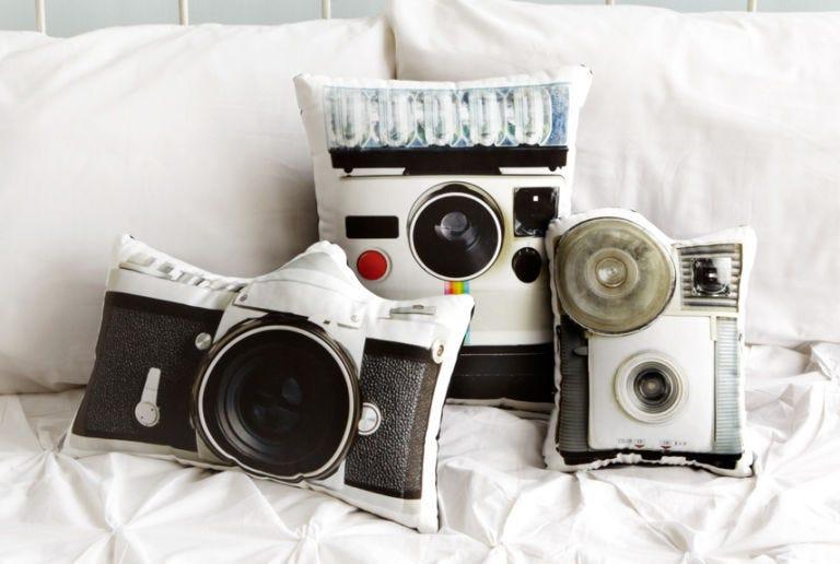 Product, Lens, Camera, Film camera, Cameras & optics, Digital camera, Photograph, Camera accessory, Camera lens, Point-and-shoot camera,