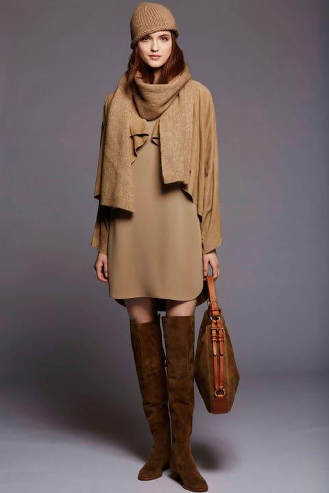 Brown, Sleeve, Shoulder, Textile, Human leg, Khaki, Joint, Outerwear, Coat, Boot,