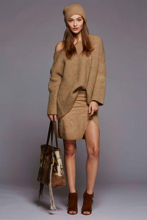 Clothing, Brown, Sleeve, Human leg, Shoulder, Textile, Joint, Outerwear, Khaki, Style,