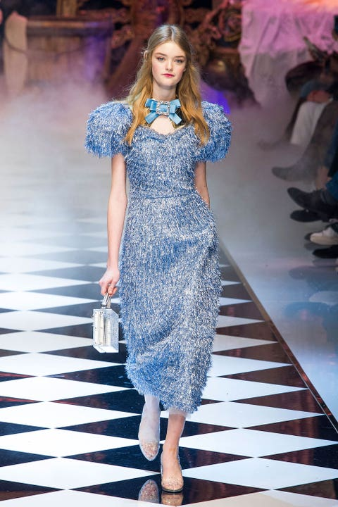 Clothing, Blue, Fashion show, Dress, Shoulder, Joint, Runway, Fashion model, Style, One-piece garment,