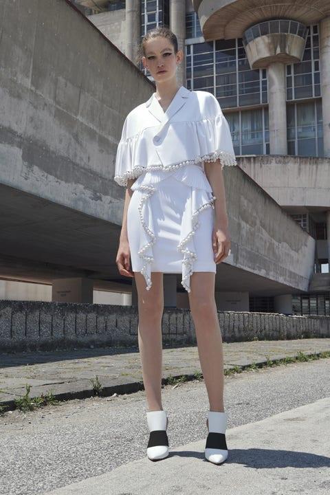 Clothing, Sleeve, Human leg, Street fashion, Knee, Fashion model, Thigh, Calf, Model, Ankle,