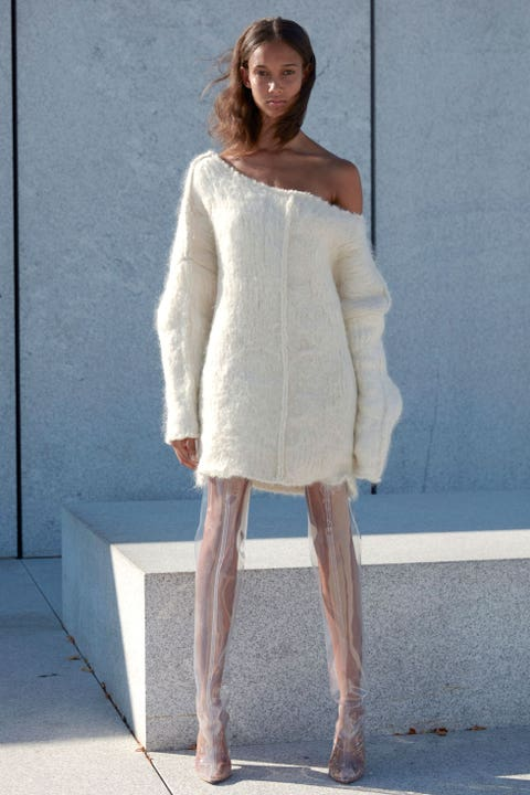 Clothing, Sleeve, Human body, Shoulder, Human leg, Textile, Joint, Standing, Neck, Knee,