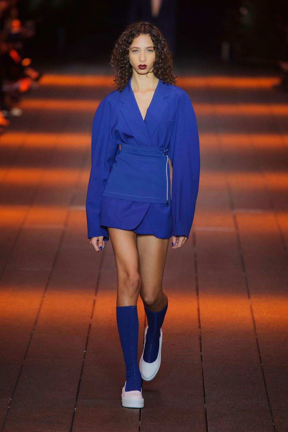 Clothing, Sleeve, Human leg, Shoulder, Style, Electric blue, Orange, Knee, Fashion show, Street fashion,