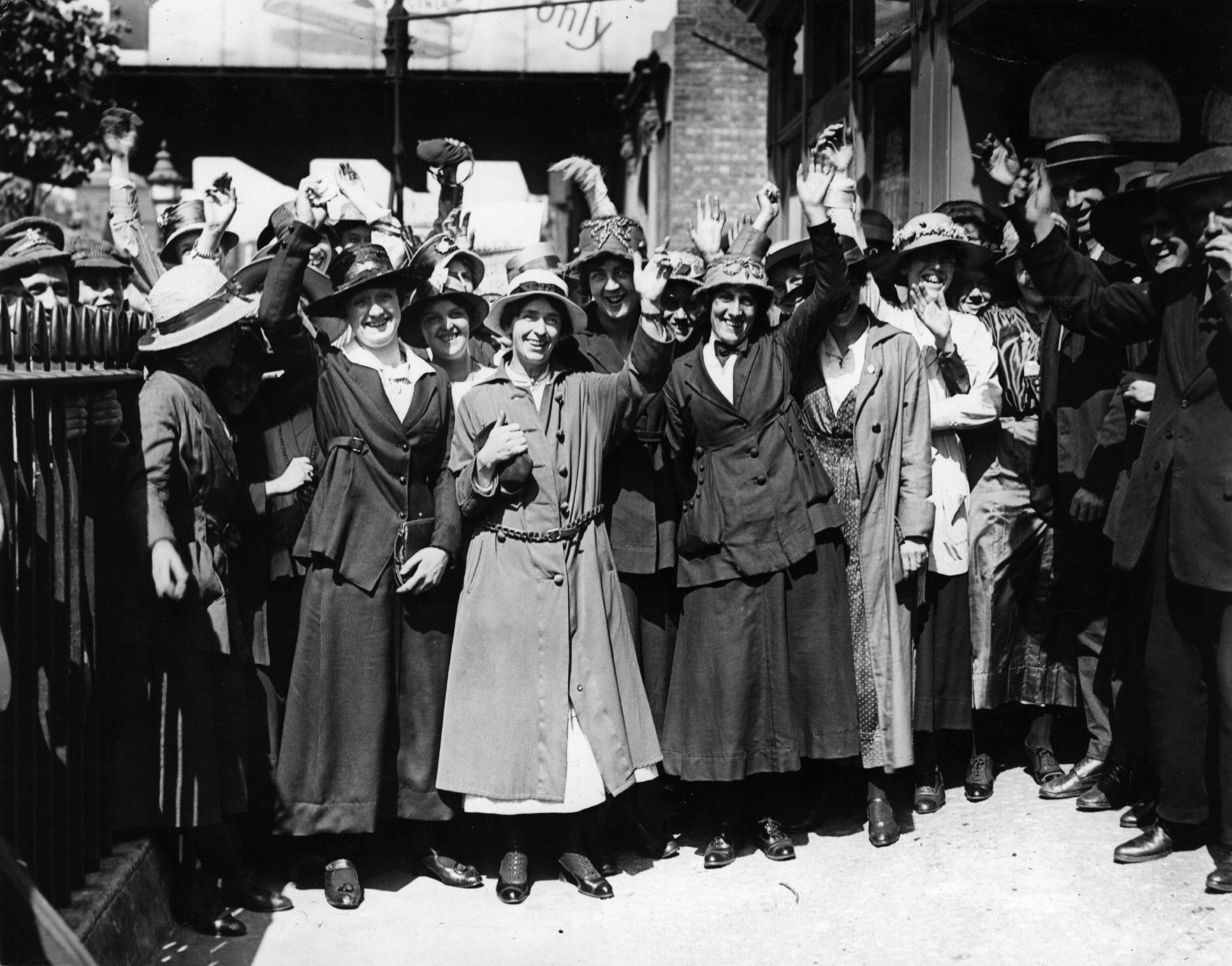 People, Hat, Monochrome, Headgear, Sun hat, Vintage clothing, Monochrome photography, Black-and-white, Costume hat, Fedora,