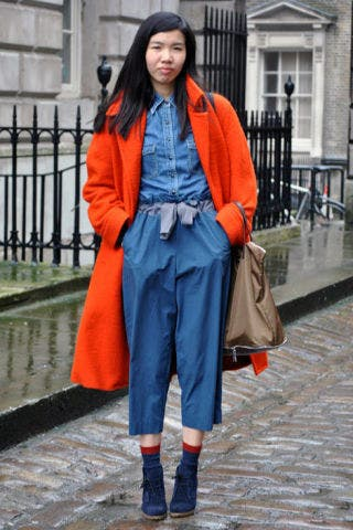 Clothing, Sleeve, Collar, Textile, Outerwear, Bag, Style, Street fashion, Fashion accessory, Electric blue,