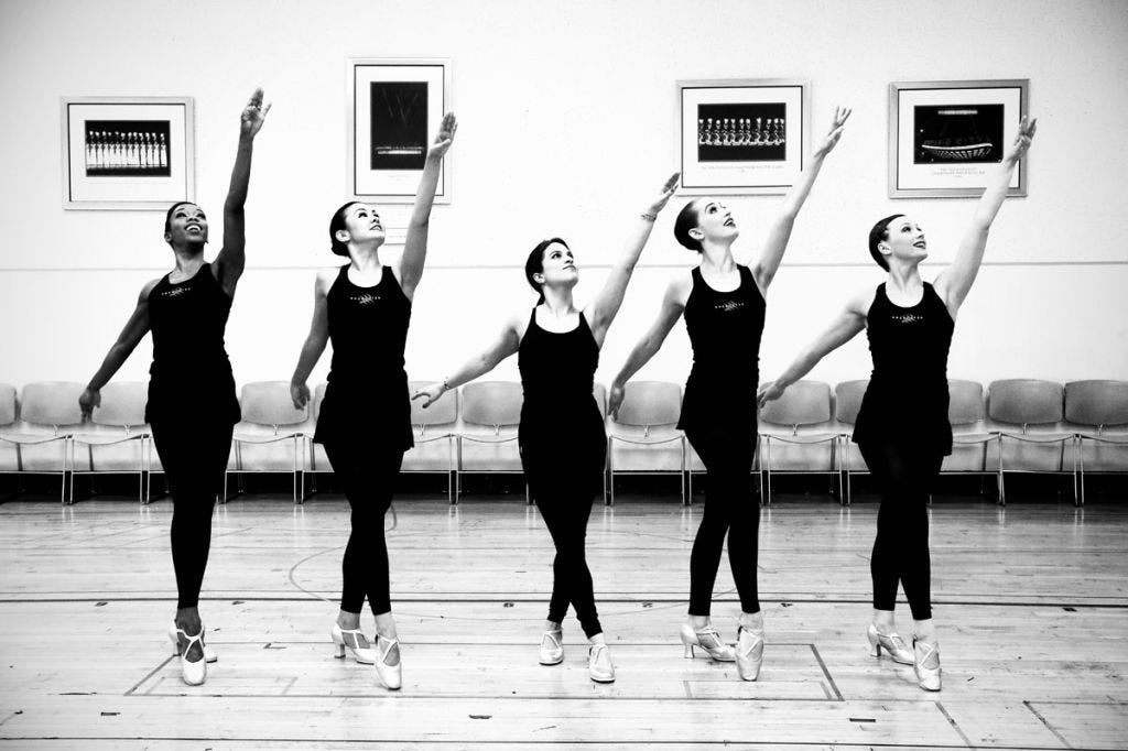 Room, Entertainment, Performing arts, Style, Monochrome, Physical fitness, Dance, Black-and-white, Active pants, Dancer,