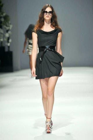 Clothing, Leg, Fashion show, Human leg, Human body, Shoulder, Dress, Joint, Fashion model, Runway,