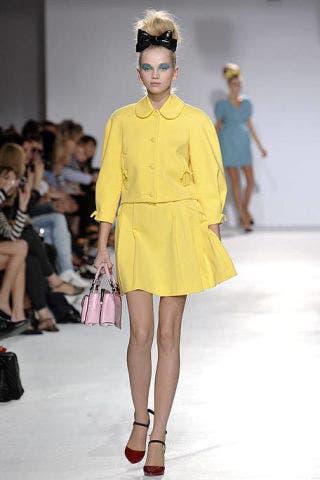 Clothing, Leg, Fashion show, Event, Human body, Shoulder, Human leg, Joint, Outerwear, Runway,