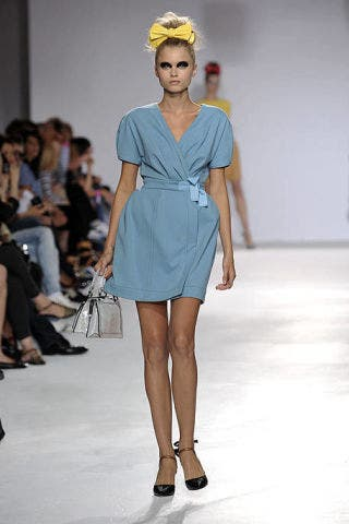 Clothing, Footwear, Leg, Event, Fashion show, Shoulder, Human leg, Joint, Outerwear, Runway,