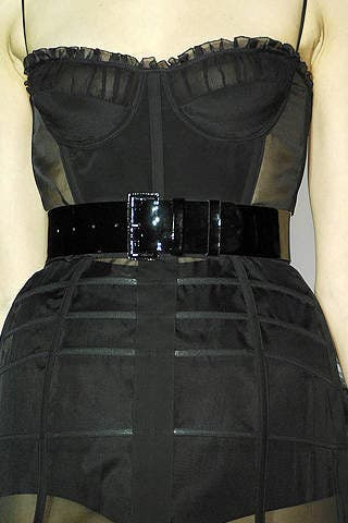 Sleeve, Textile, White, Dress, Style, Pattern, One-piece garment, Fashion, Black, Pocket,