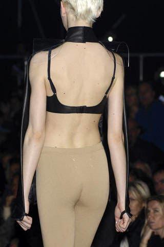 Shoulder, Joint, Waist, Back, Undergarment, Fashion, Thigh, Neck, Black, Fashion model,