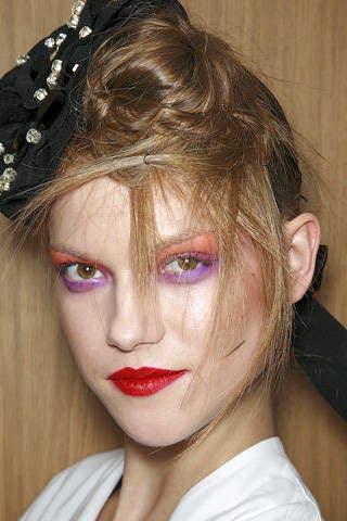 Lip, Hairstyle, Chin, Forehead, Eyebrow, Eyelash, Style, Hair accessory, Jaw, Headpiece,