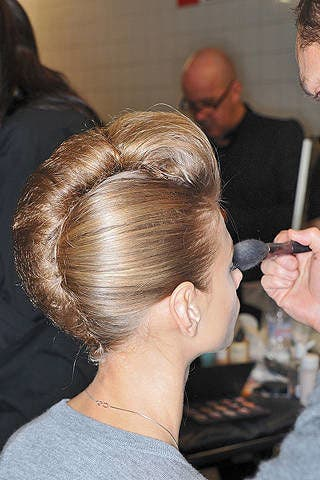 Hair, Head, Ear, Hairstyle, Forehead, Beauty salon, Style, Earrings, Fashion, Temple,