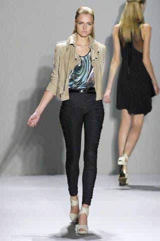 Clothing, Footwear, Leg, Brown, Human body, Sleeve, Shoulder, Textile, Human leg, Standing,