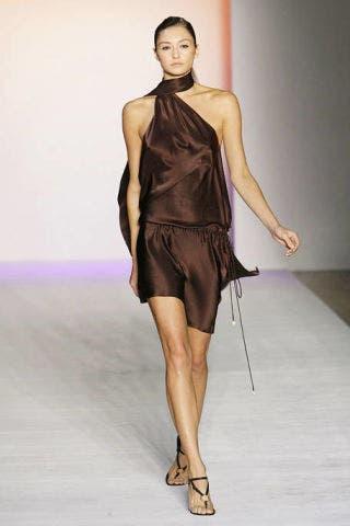 Human body, Dress, Human leg, Shoulder, Joint, Style, Knee, Fashion model, Waist, One-piece garment,