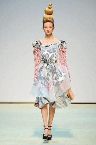 Clothing, Sleeve, Human body, Shoulder, Fashion show, Joint, Dress, Runway, Style, One-piece garment,
