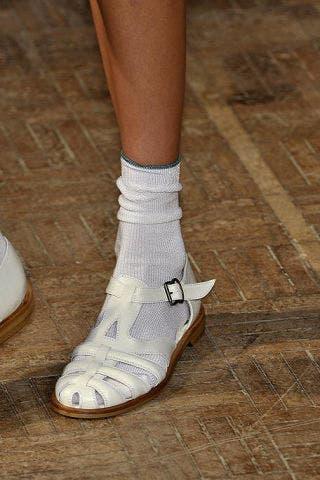 Human leg, Joint, White, Fashion, Tan, Grey, Pattern, Beige, Hardwood, Close-up,