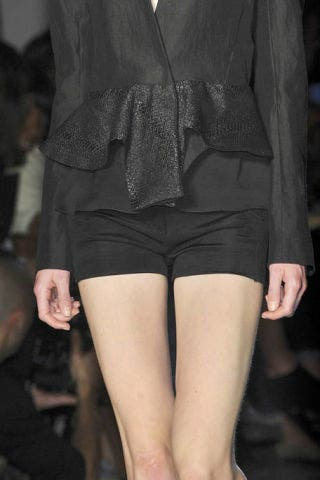 Clothing, Sleeve, Human leg, Textile, Joint, Outerwear, Style, Thigh, Fashion, Black,