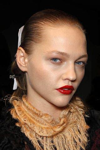 Head, Nose, Ear, Lip, Hairstyle, Earrings, Chin, Forehead, Eyebrow, Eyelash,