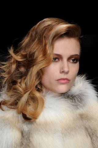 Lip, Cheek, Hairstyle, Chin, Eyebrow, Eyelash, Style, Beauty, Long hair, Fashion model,