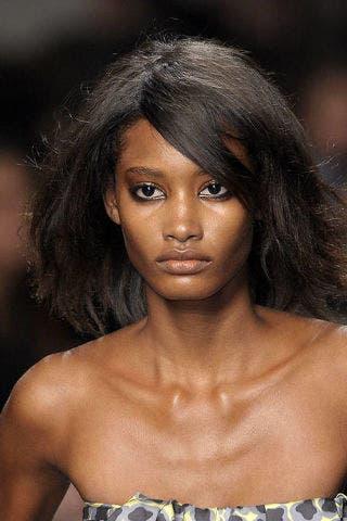 Lip, Hairstyle, Skin, Chin, Shoulder, Eyebrow, Style, Eyelash, Black hair, Beauty,