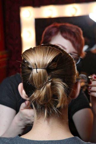 Hair, Hairstyle, Shoulder, Style, Long hair, Back, Brown hair, Beauty, Hair coloring, Fashion,